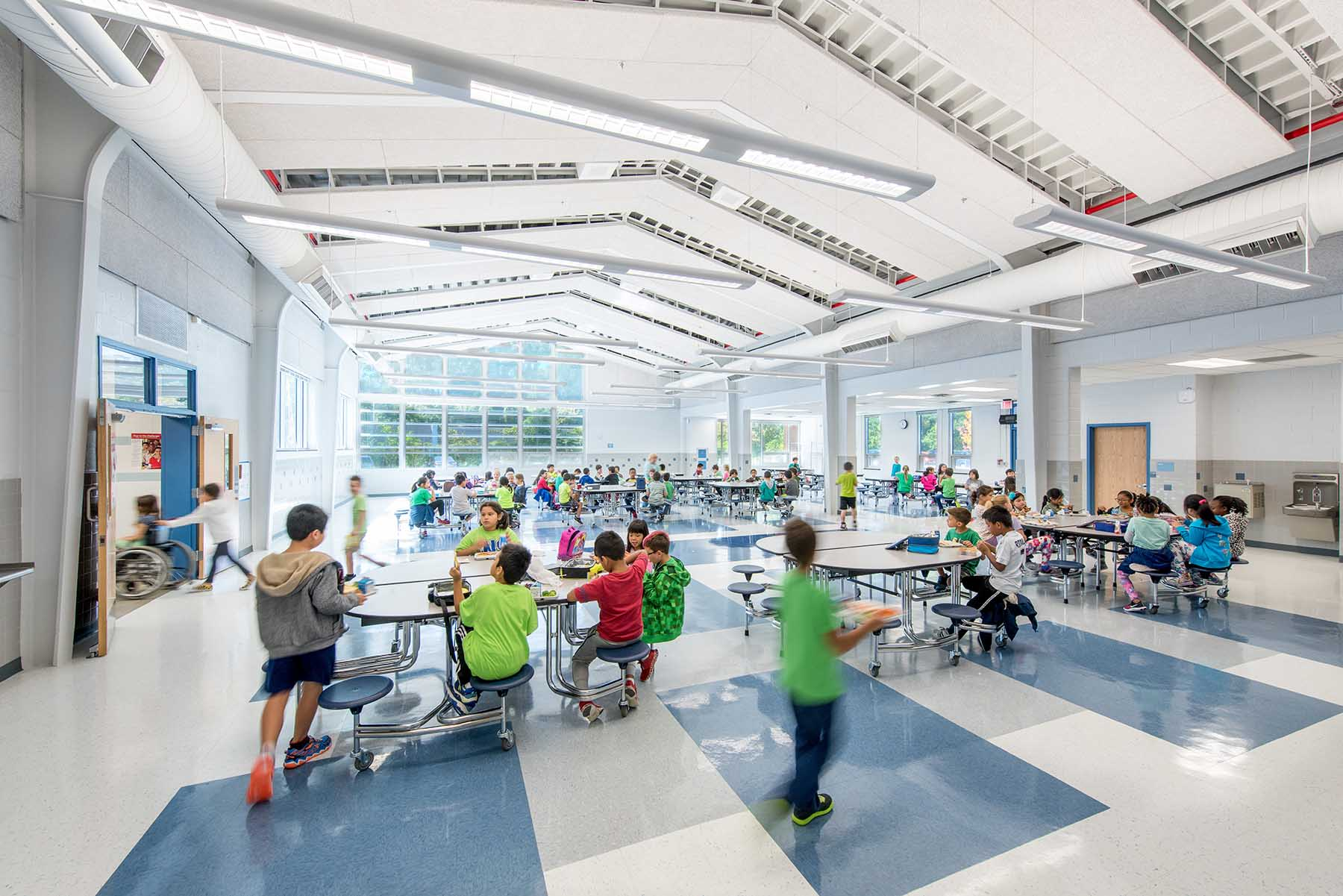The new 12,300 SF music, art, and library wing redefines and expands the existing learning courtyard and acts as a connector between primary circulation axes.