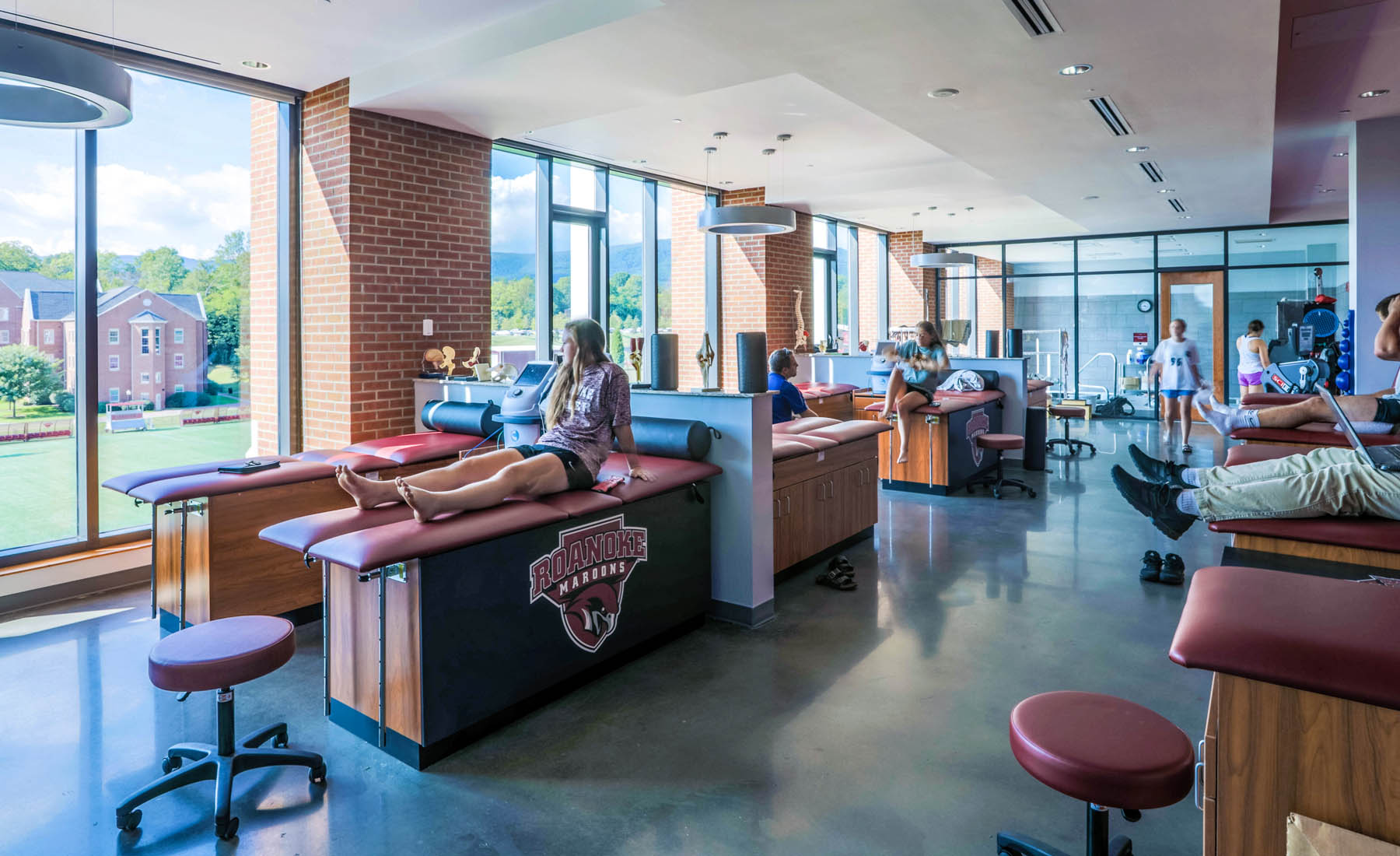 Integrated within the facility are faculty offices, classrooms, an athletic training clinic and lab space that support the popular Health and Human Performance (HHP) Department.