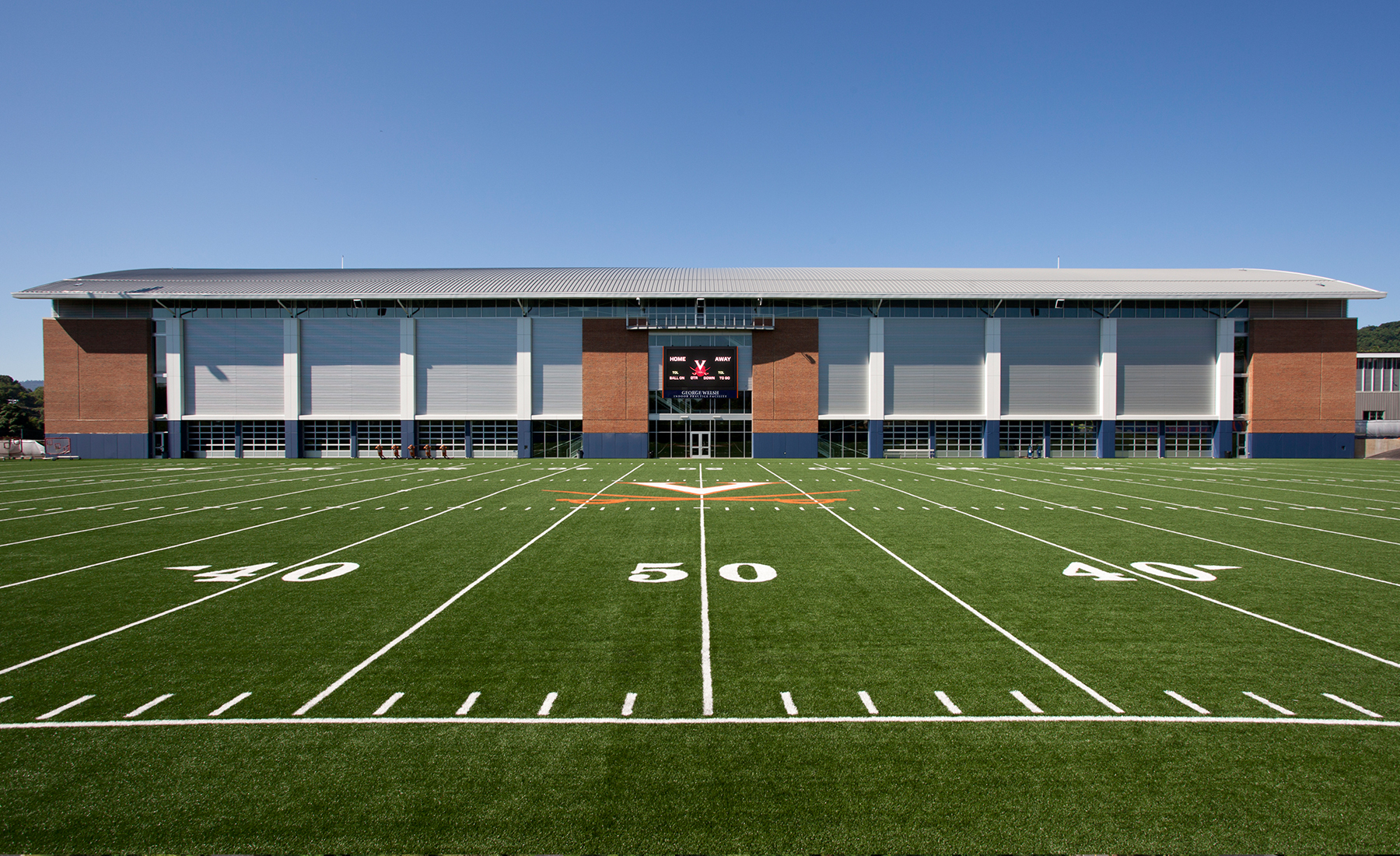 The Fieldhouse was sited on an existing football practice field to take advantage of adjacent locker rooms, offices, and other support facilities.